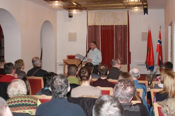 Pajor Tamás Szózeneest előadása