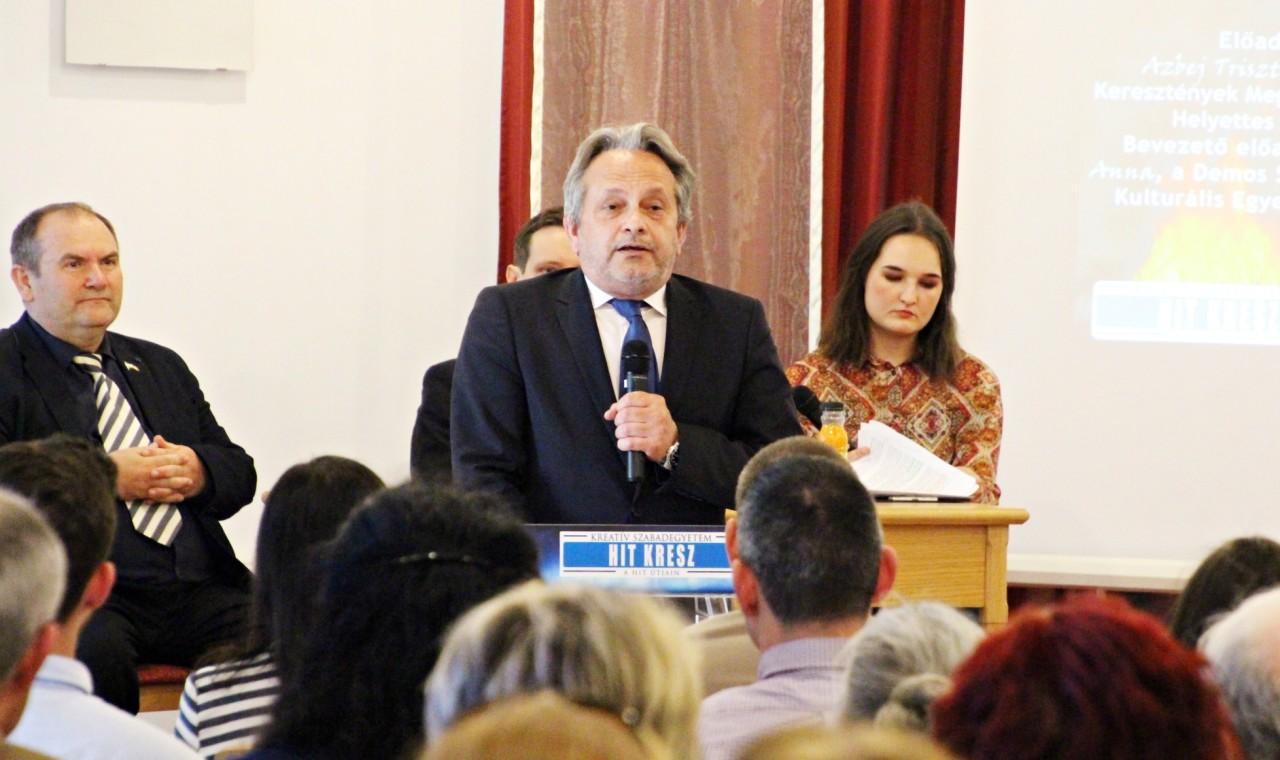 Vargha Tamás honvédelmi miniszterhelyettes